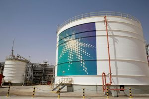 Kuwait and Saudi In The Favor Of Cutting Oil Output