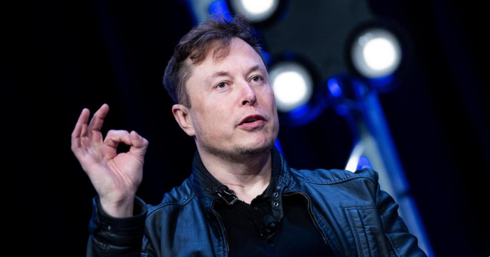 """Musk Says Social Distancing Is Just """"Fascist"""""""