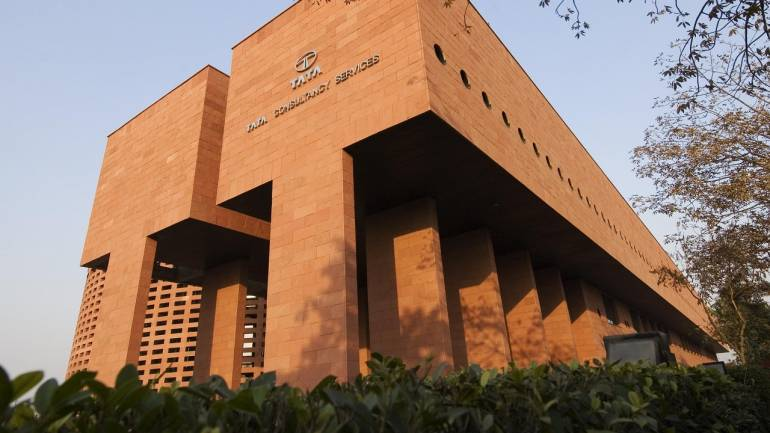 TCS Q1 benefit falls 13% QoQ to Rs 7,008 crore, however bargain wins stay hearty